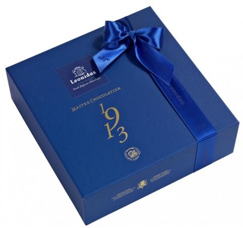"""Луксузно плаво пакување """"Santiago"""" со 32 пралини"""